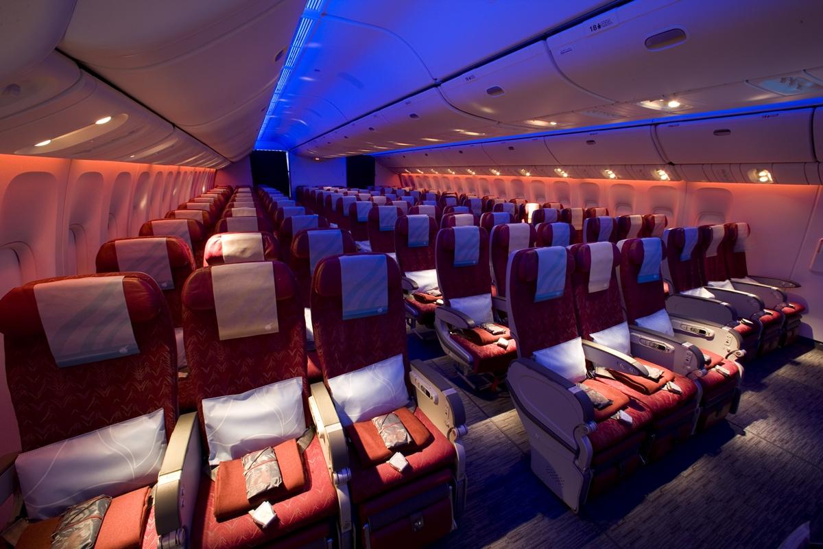 Az eddigi 3-3-3-as üléselrendezés a katari flotta Boeing 777-300ER gépén. (Fotó: Qatar Airways) | © AIRportal.hu