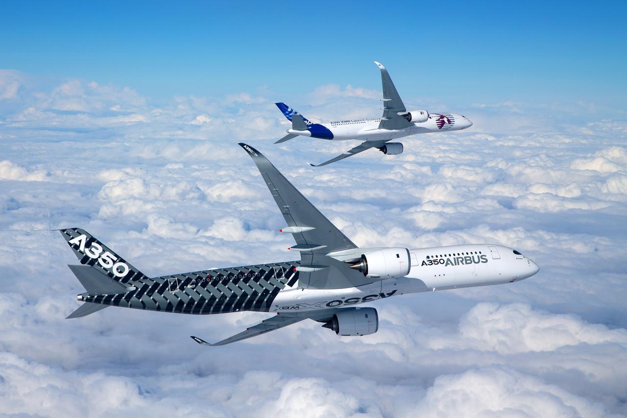 A350-900XWB prototípusok repülés közben. (Fotó: Airbus) | © AIRportal.hu