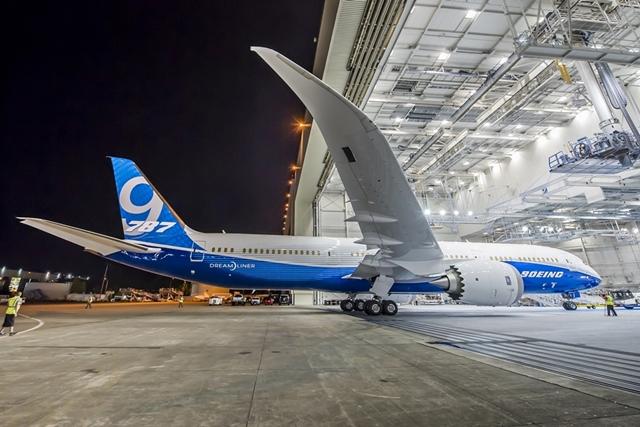 Boeing 787-9 gyári színekben. (Fotó: Boeing Company) | © AIRportal.hu