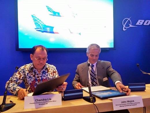 ...és az előzmény: a párizsi bejelentés a két 737-900ER-re. (Fotó: Sriwijaya Air) | © AIRportal.hu