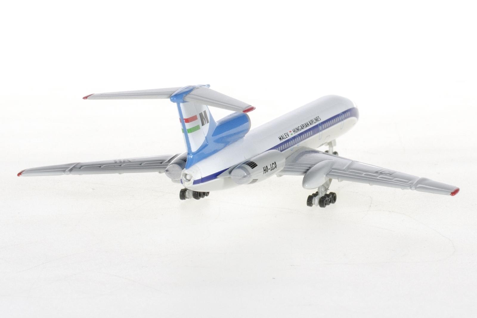 A fémből készült modell saját futóművein állíható ki, állványfoglalat nincs a törzsön. Egy Tu-154-es ebben a méretarányban 9,6 cm hosszú. (Fotó: Herpa Wings) | © AIRportal.hu