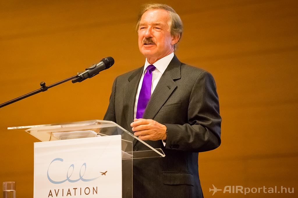 Steven F. Udvar-Házy előadása a CEE-Aviation konferencián. (Fotó: AIRportal.hu) | © AIRportal.hu