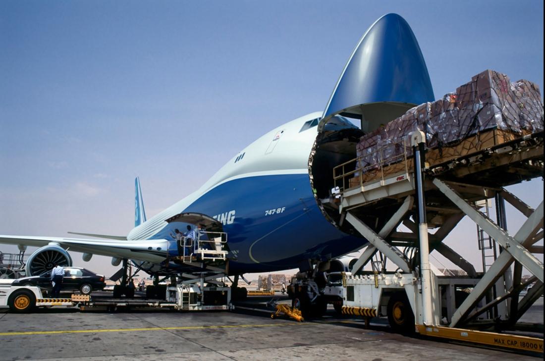 Nagy előny a felnyitható orr, de ez önmagában még kevés az eladásokhoz. (Fotó: Boeing Company)   © AIRportal.hu