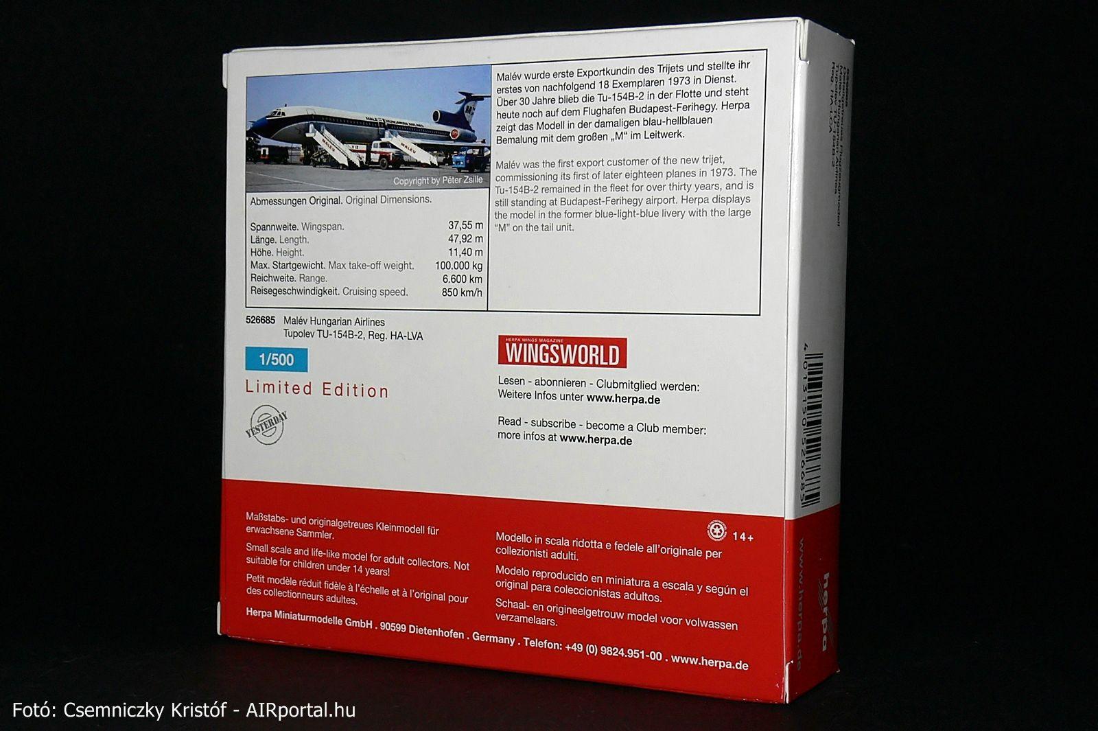 A modell dobozára szemléltetésképp a valódi gépet Zsille Péter, légiközlekedési szakíró ferihegyi fotója került. A doboz hátlapján található leírásban helytelenül HA-LVA lajstrom lett feltüntetve, de szerencsére magán a modellen helyesen HA-LCA szerepel. | © AIRportal.hu