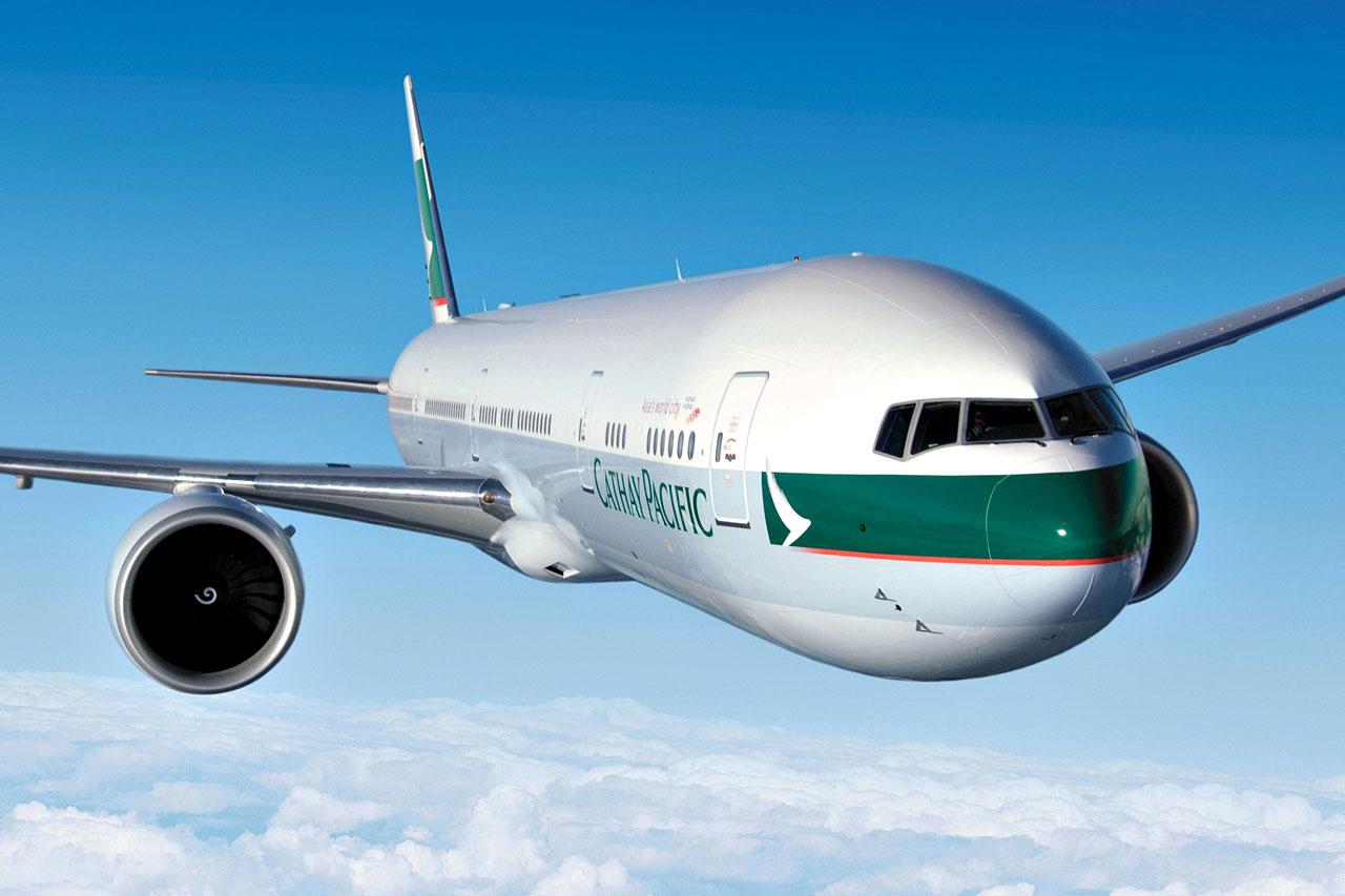A flotta egyik Boeing 777-300ER gépe reklámfotón.(Fotó: Cathay Pacific Airways) | © AIRportal.hu