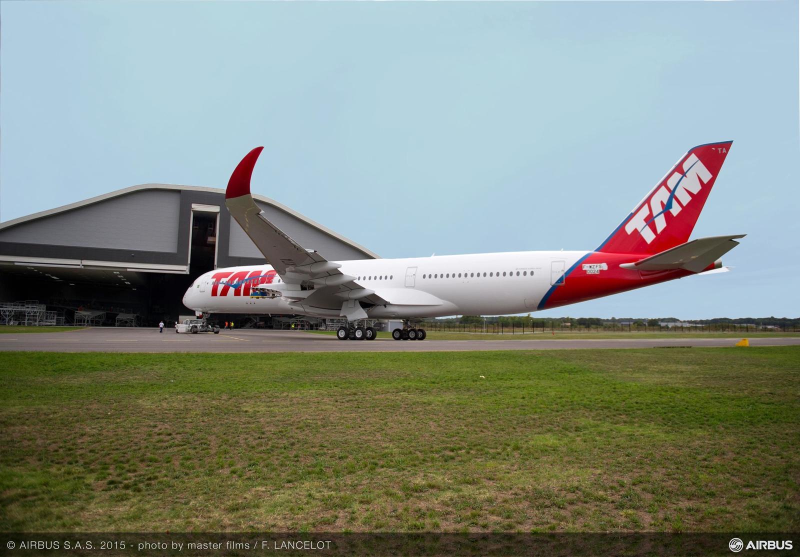 A brazil TAM légitársaság leendő első A350-900-asa Toulouse-ban. (Fotó: Airbus)   © AIRportal.hu