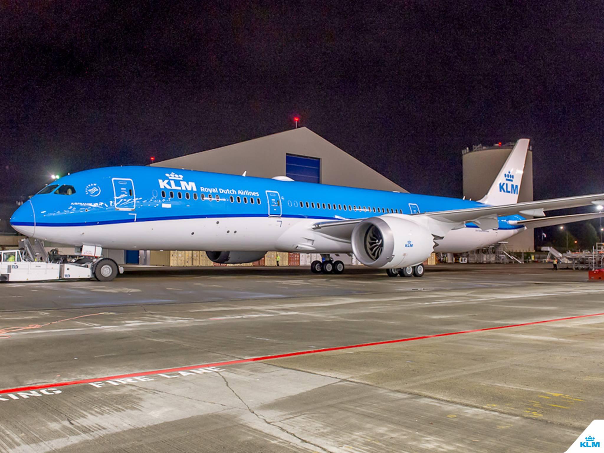 Az új festésminta esti fényekben. (Fotó: Boeing Company via KLM Royal Dutch Airlines) | © AIRportal.hu