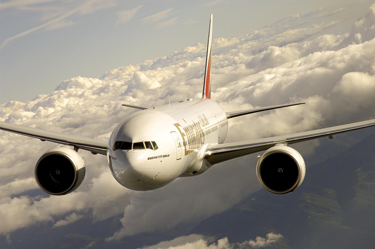A Boeing 777-200LR és az alapjain továbbfejlesztett, új generációs 777-8X fedezik az Emirates extra nagy hatótáv igényeit. (Fotó: Emirates) | © AIRportal.hu
