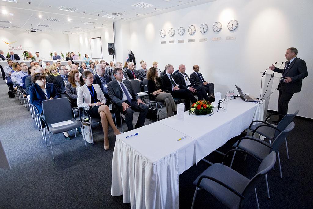 Sokan, köztük az AIRportal.hu is csatlakozott a Greenairport kezdeményezéshez. Lapunk évek óta szervez környezetvédelmi akciókat a repülőtér környékén, a Budapest Airporttal közösen csatlakoztunk többször a Te Szedd programhoz, illetve a portál cikkeivel segíti a repülőtér zöld kommunikációját. (Fotó: Galyas Richárd)   © AIRportal.hu