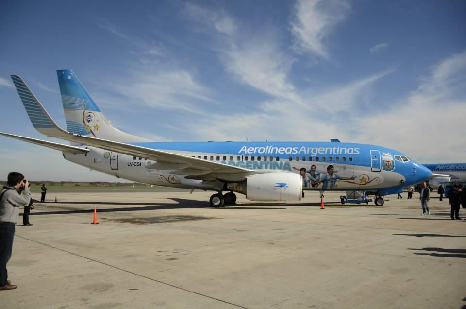 Az egyik különleges festésű Boeing 737-700-as. (Fotó: Aerolíneas Argentinas) | © AIRportal.hu