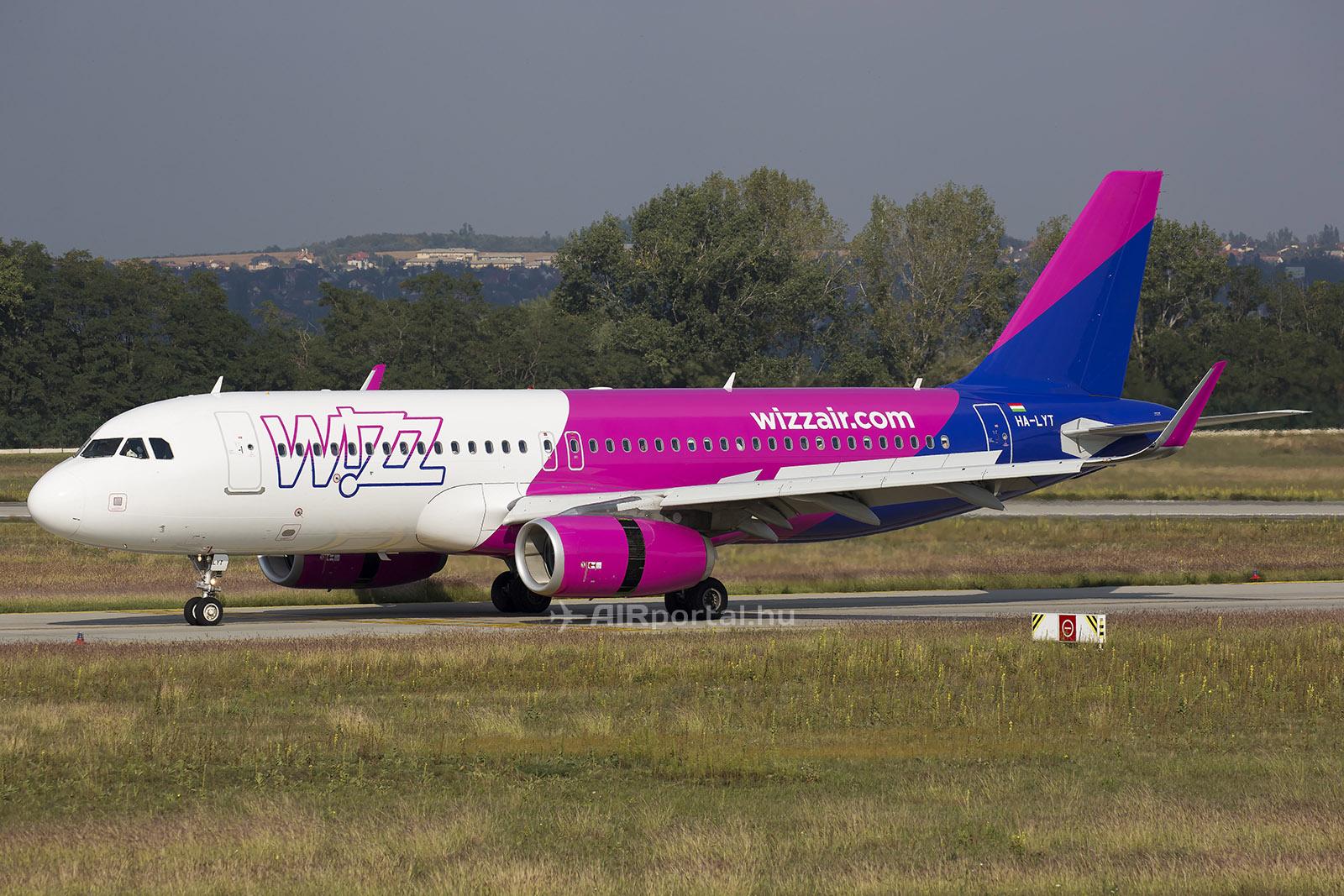 A Wizz Air A320-as repülőgépe Budapesten.(Fotó: AIRportal.hu)   © AIRportal.hu