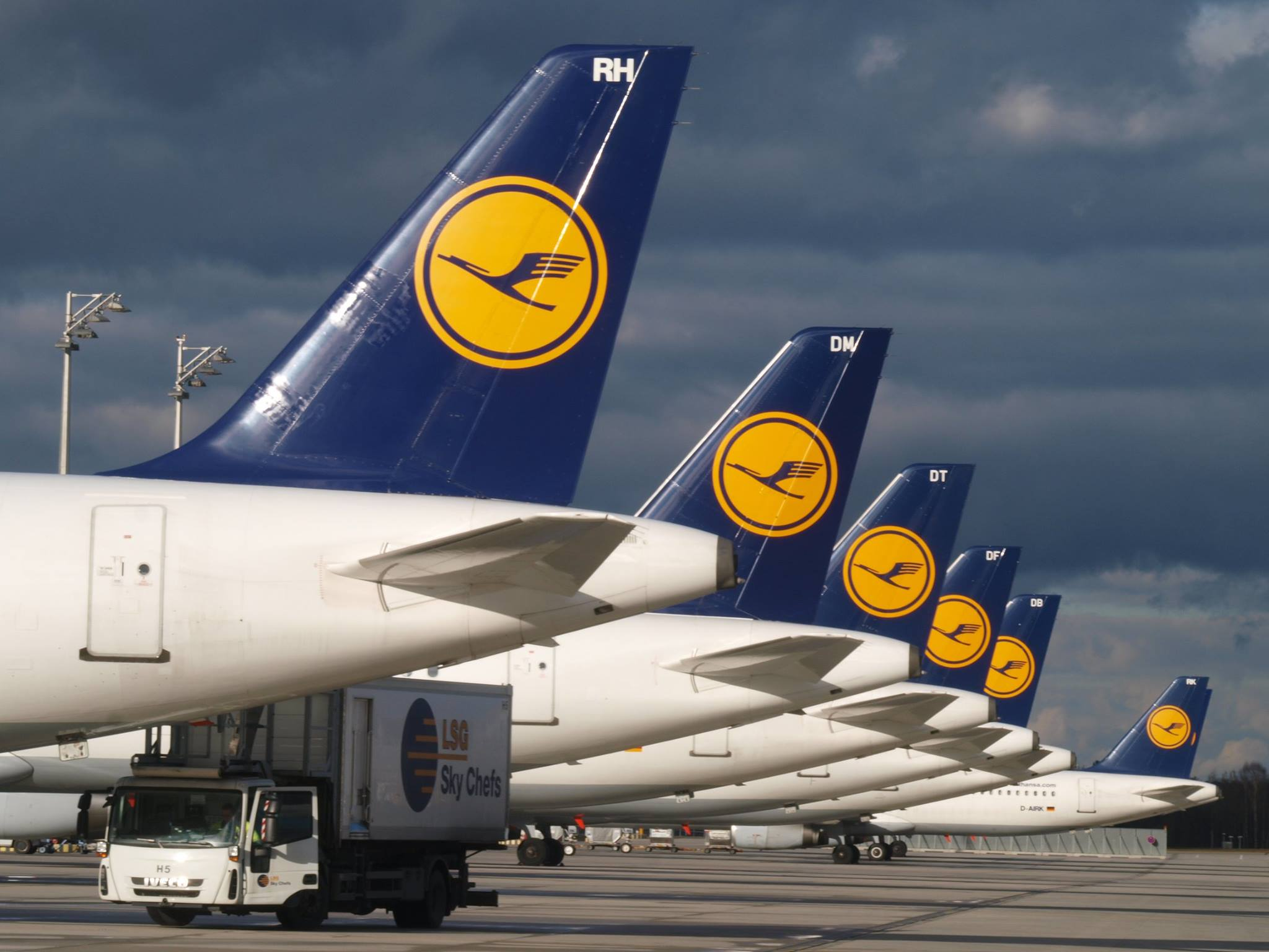 A Lufthansa repülőgépei a müncheni repülőtéren. (Fotó) Munich Airport) | © AIRportal.hu