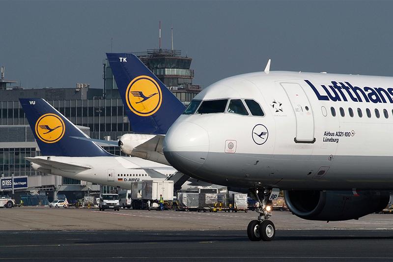 A Lufthansa Airbus A321-ese Frankfurtban. (Fotó: Lufthansa) | © AIRportal.hu