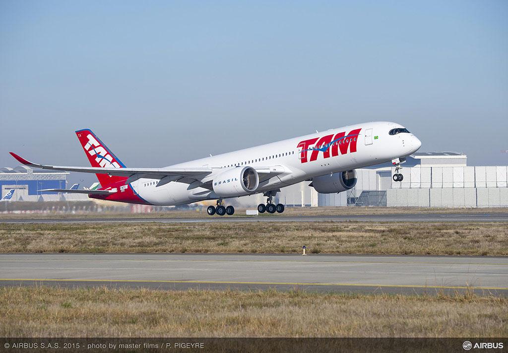 A TAM légitársaság első Airbus A350 XWB repülőgépe (Fotó: Airbus) | © AIRportal.hu