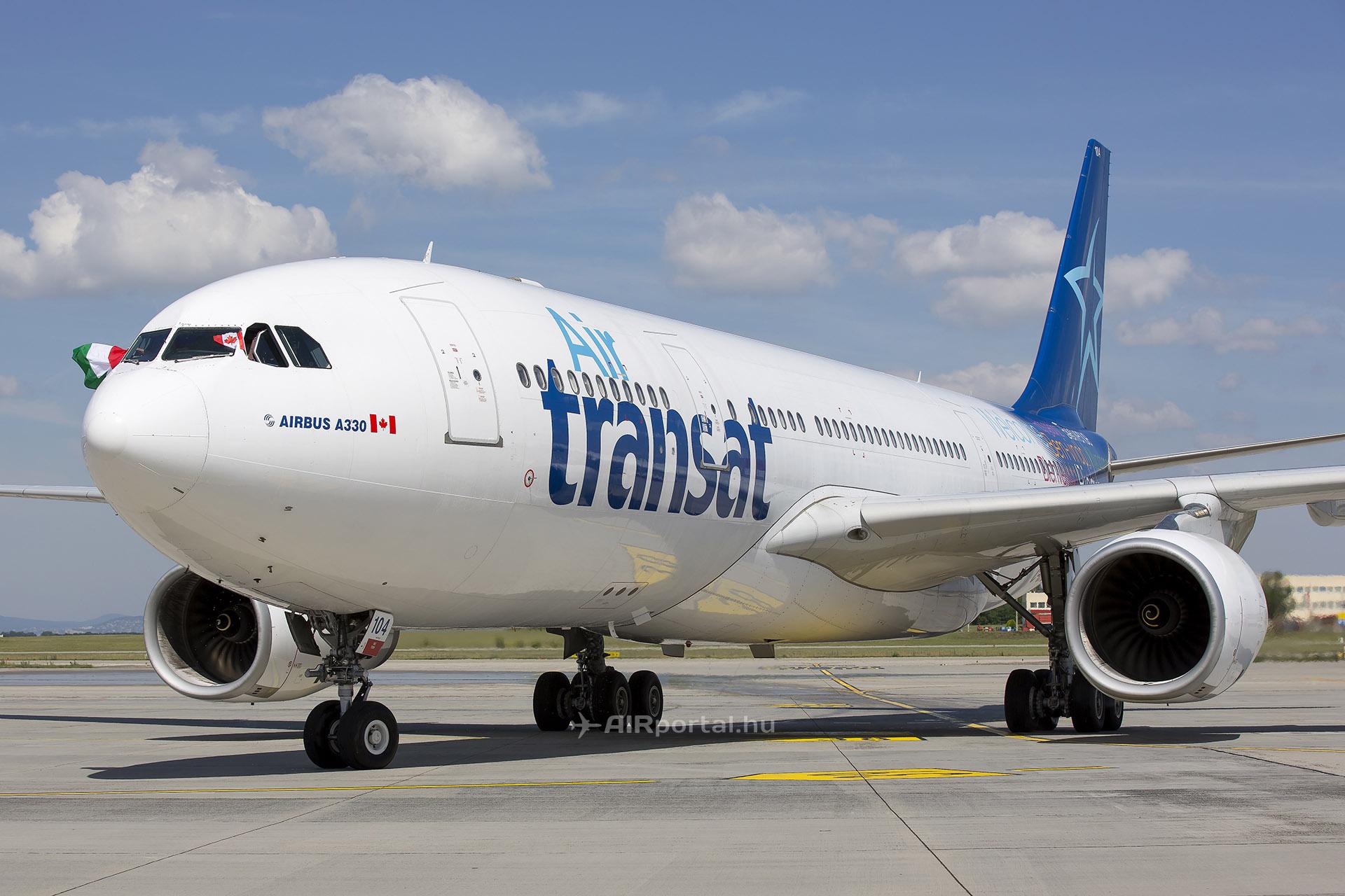 Az Air Transat C-GTSN lajstromjelű Airbus A330-200-asa Budapesten a júniusi járatnyitáson. (Fotó: AIRportal.hu) | © AIRportal.hu