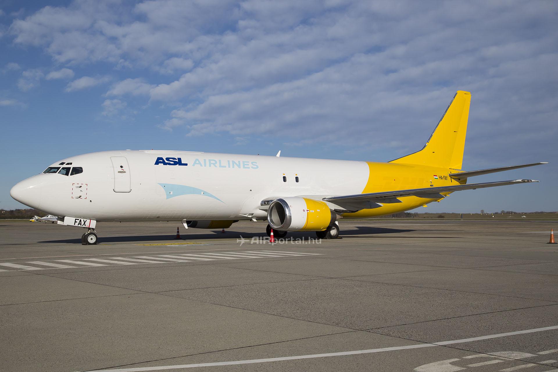 Az ASL Airlines Hungary egyik magyar lajstromjelű Boeing 737-400F repülőgépe. (Fotó: AIRportal.hu)   © AIRportal.hu