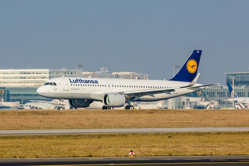 Az első A320neo (D-AINA) landolása Frankfurtban. (Fotó: Lufthansa) | © AIRportal.hu