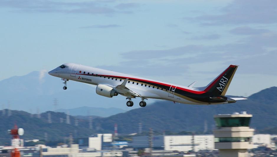 Az MRJ szűzfelszállása Nagojában. (Fotó: Mitsubishi Aircraft Corporation)] | © AIRportal.hu