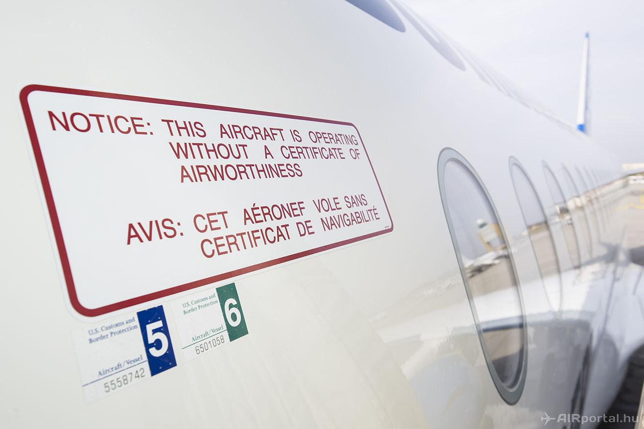 Nem gyakori, hogy Ferihegyen ilyen figyelmeztetéssel ellátott repülőgép száll le. | © AIRportal.hu