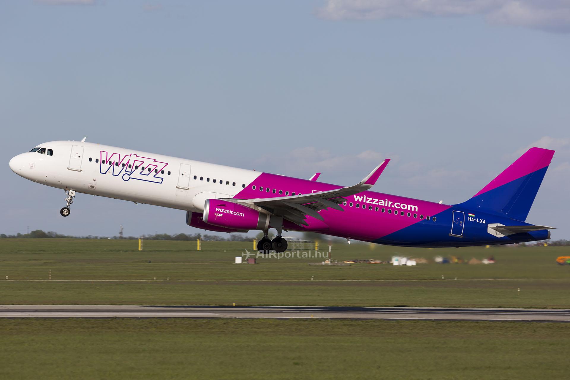 A Wizz Air Airbus A321-esének felszállása. (Fotó: AIRportal.hu) | © AIRportal.hu