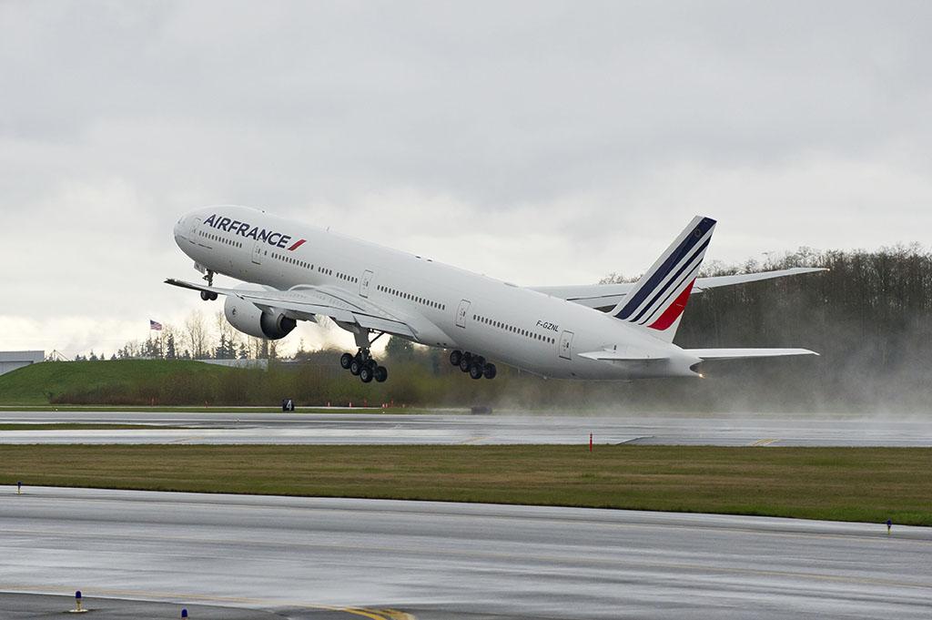 A kép a hatvanadik 777-es átadásán készült Everettben. (Fotó: Boeing)   © AIRportal.hu