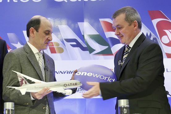 Akbar Al-Baker és Willie Walsh a Qatar Airways oneworld csatlakozásakor tartott rendezvényen. (Fotó: oneworld) | © AIRportal.hu