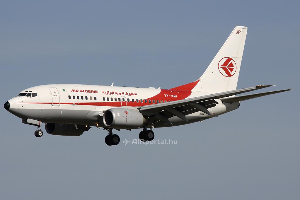 Az Air Algerie Boeing 737-600-as repülőgépe. (Fotó: AIRportal.hu) | © AIRportal.hu