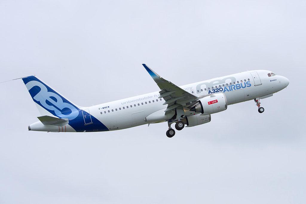 CFM LEAP-1A hajtóművel szerelt Airbus A320neo egyik tesztpéldánya felszállás közben. (Fotó: Airbus) | © AIRportal.hu