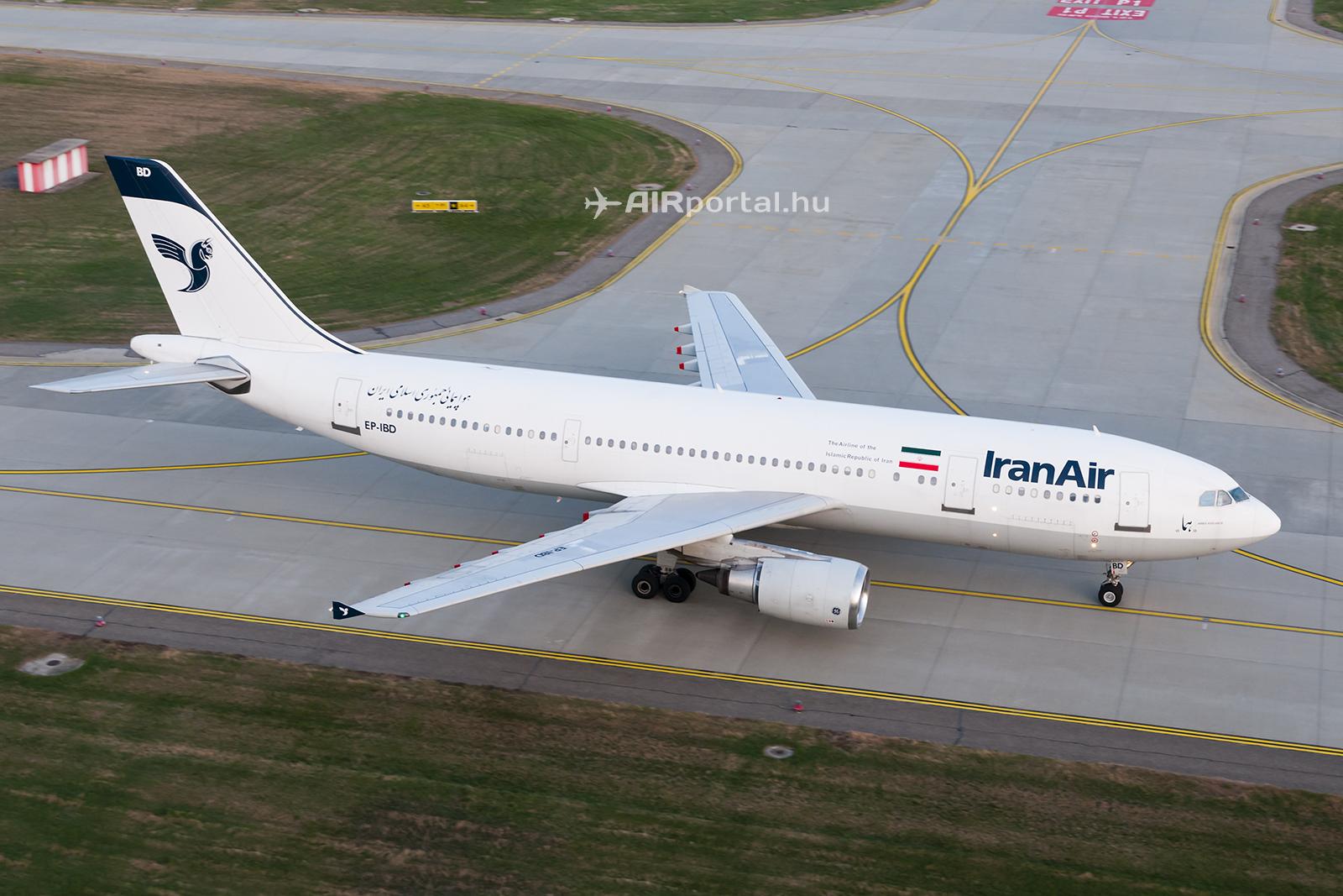 Az Iran Air Airbus A300-605R repülőgépe a Liszt Ferenc repülőtéren. (Fotó: AIRportal.hu) | © AIRportal.hu