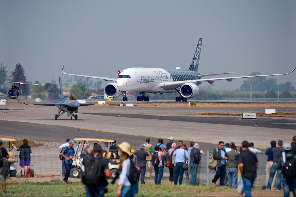 Az A350XWB a FIDAE 2016 iparági rendezvényén Forrás: Airbus   © AIRportal.hu