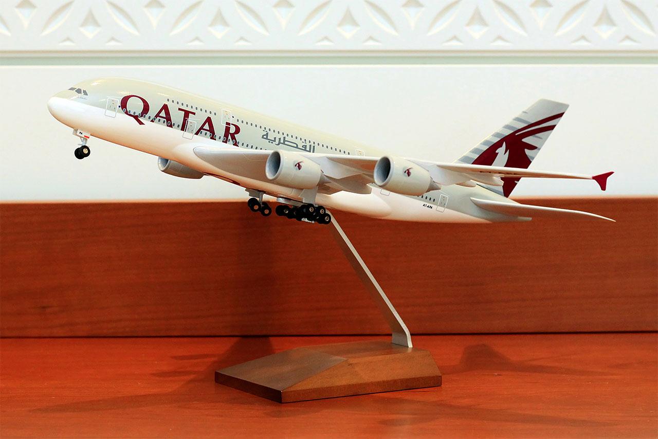 A nyeremény a képen szereplő modellel megegyező modell eredeti, bontatlan csomagolásban! (Forrás: Qatar Airways) | © AIRportal.hu