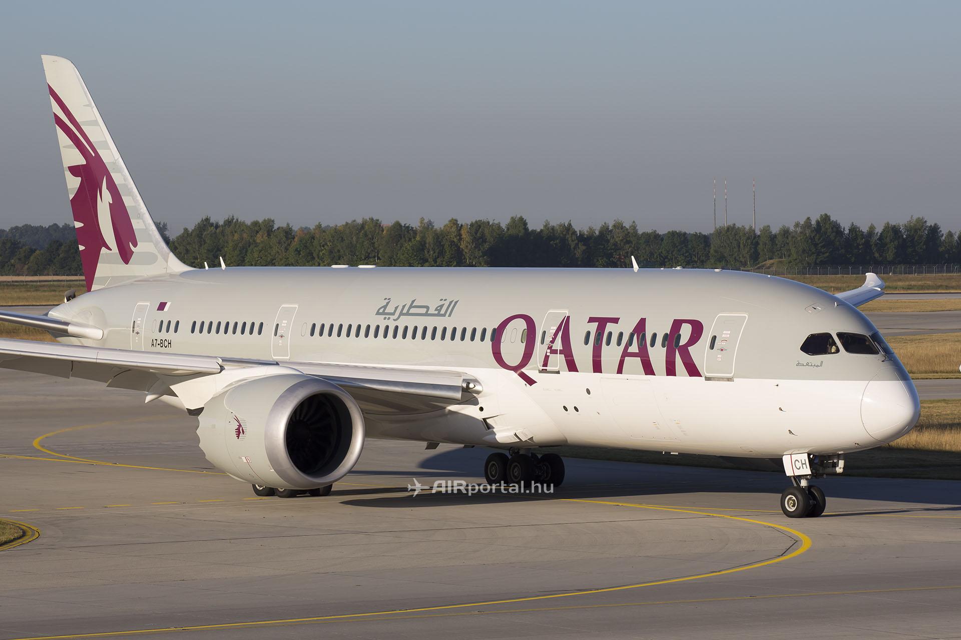 A Qatar Airways egyik Boeing 787 Dreamliner repülőgépe. (Fotó: AIRportal.hu)   © AIRportal.hu