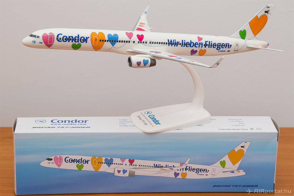 A nyeremény a képen szereplő modellel megegyező modell eredeti, bontatlan csomagolásban! (Fotó: AIRportal.hu) | © AIRportal.hu