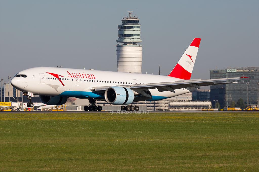 Az Austrian egyik Boeing 777-es repülőgépe Bécsben. (Fotó: AIRportal.hu)   © AIRportal.hu