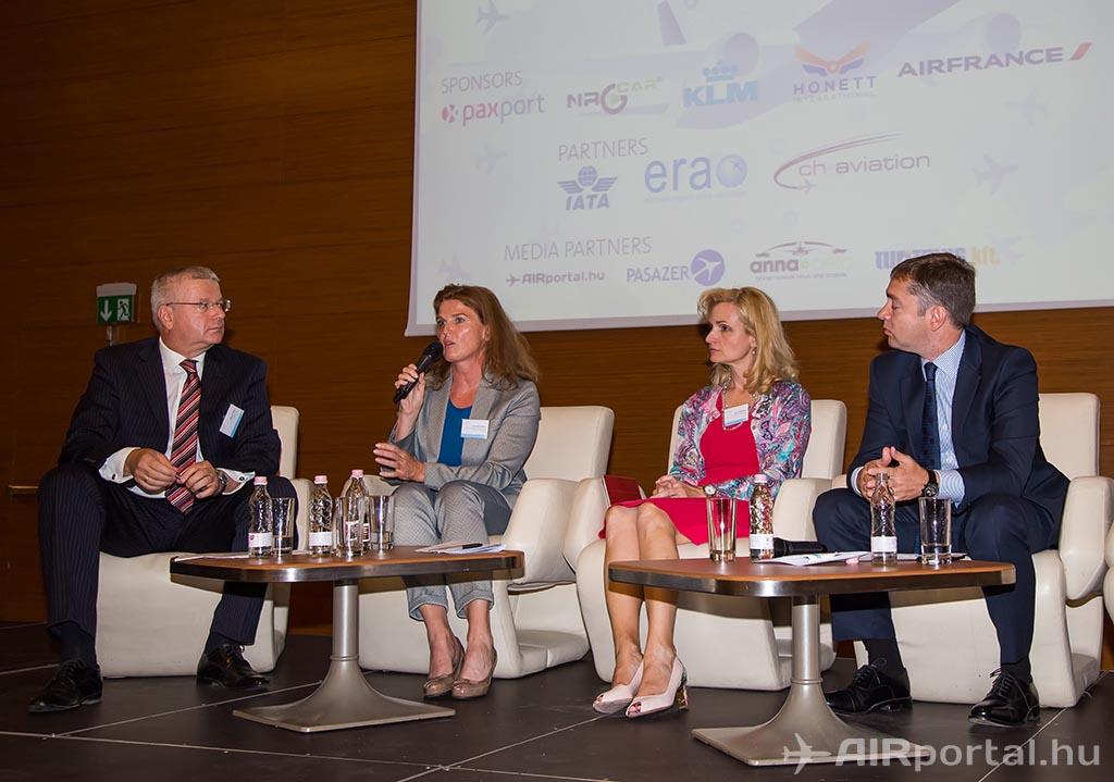 Pódiumbeszélgetés a 2015-ben első alkalommal megrendezett konferencián. (Fotó: AIRportal.hu)   © AIRportal.hu