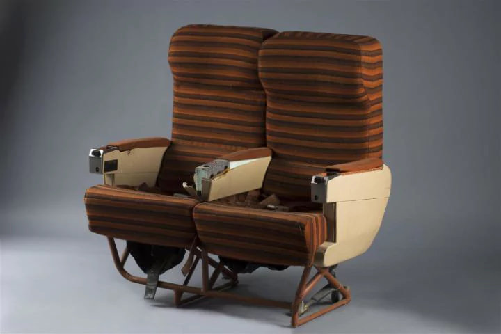 Aki szeretne, széksort is vehet. Kétezerötszáz euróért. (Fotó: La Barbe aukciós ház   © AIRportal.hu