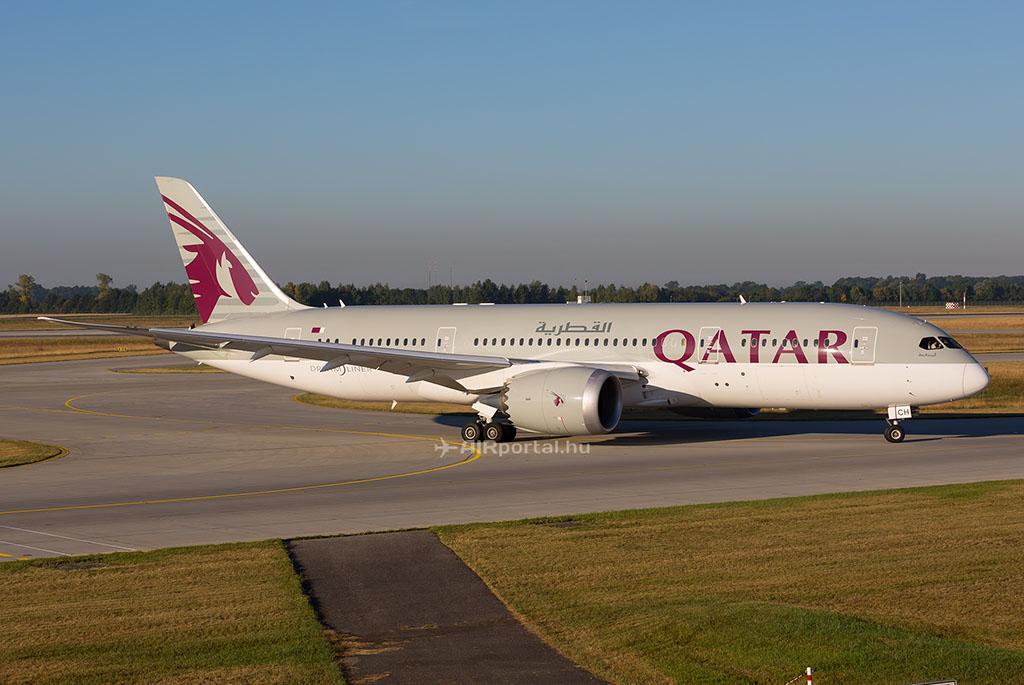 A Qatar Airways egyik Boeing 787-8 Dreamliner repülőgépe. (Fotó: AIRportal.hu) | © AIRportal.hu