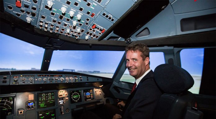 Könnyítené az FAA a pilótává válás feltételeit