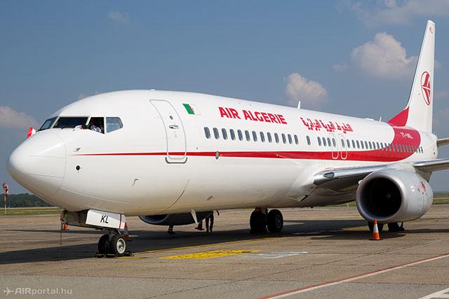 Az Air Algerie Boeing 737-800-asa Budapesten. A gép az ünnepélyes járatnyitáskor járt Ferihegyen. (Fotó: AIRportal.hu)   © AIRportal.hu