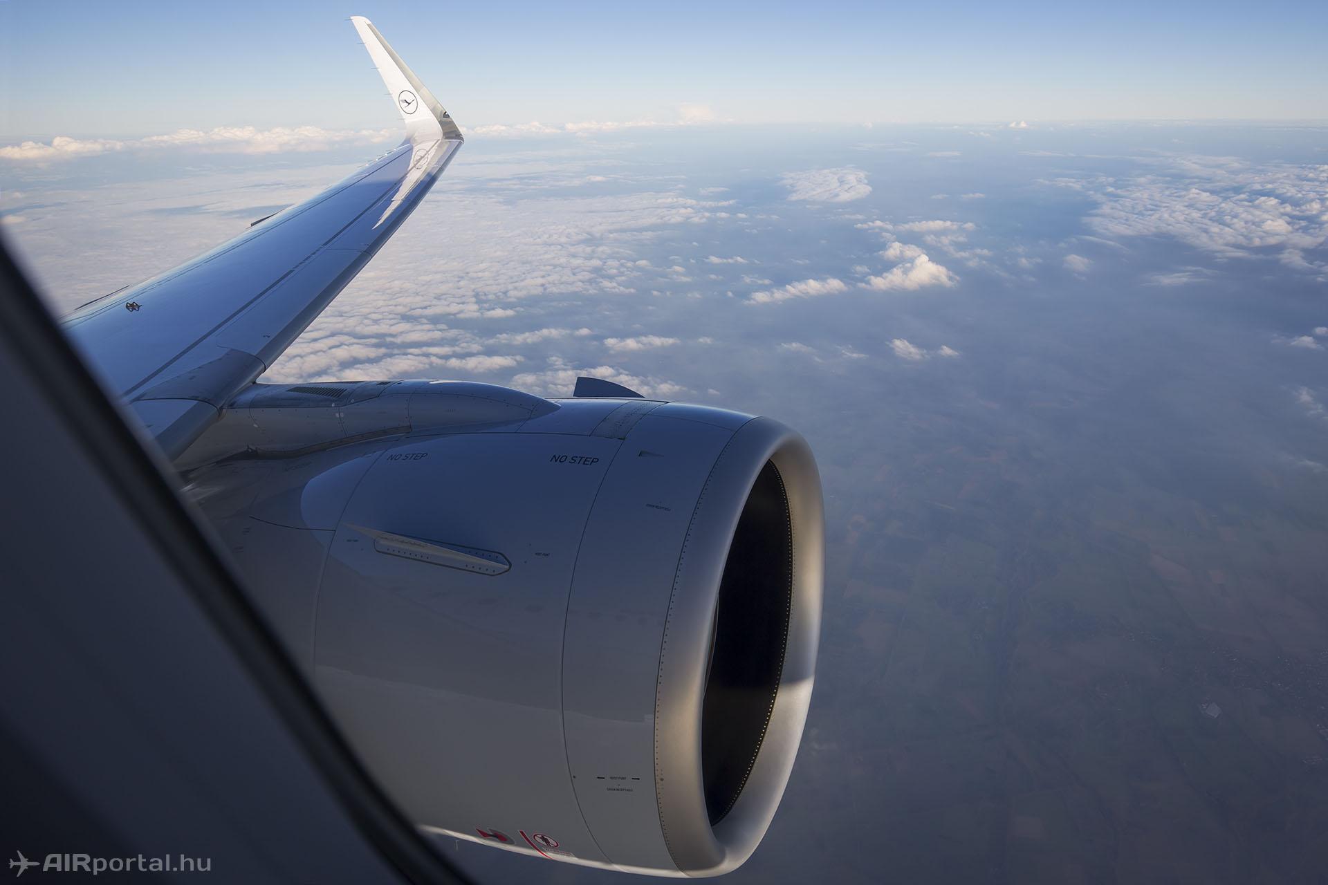 PW1100G-JM hajtómű a levegőben az A320beo típust indító légitársaság, a Lufthansa első gépén (Fotó: AIRportal.hu) | © AIRportal.hu