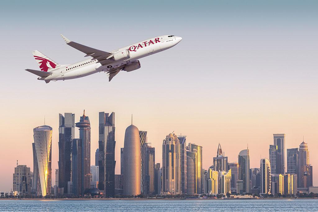 Boeing 737 MAX 8 grafika a Qatar Airways arculatának megfelelő festésben. (Forrás: Boeing) | © AIRportal.hu