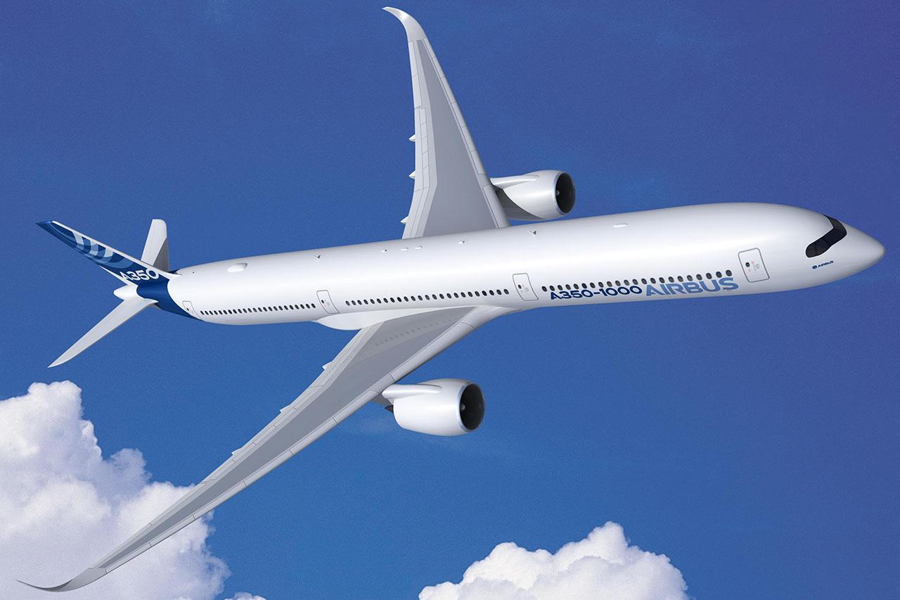 Az Airbus A350-1000 látványrajzon. Ha sikerül a hajtóművekből több teljesítményt kihozni, a még hosszabb változat előbb kerülhetne piacra a konkurensénél. (Forrás: Airbus) | © AIRportal.hu