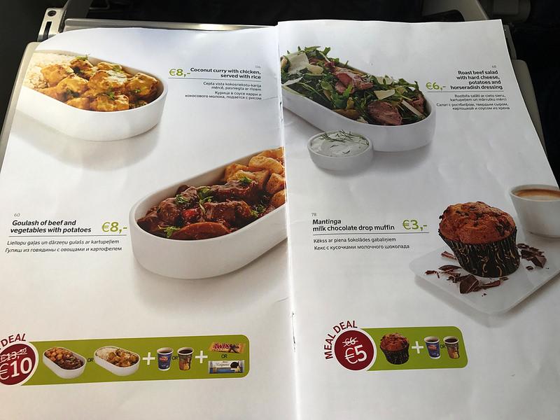 Jópofa újítás, hogy előre megrendelhetjük az ételt. És amúgy nem is vészesen drágán. (Fotó: AIRportal.hu) | © AIRportal.hu