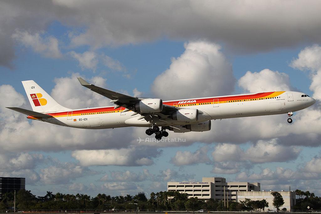 A spanyol zászlóvivő légitársaság A340-600-asai is csak ideig-óráig maradnak még a flottában. (Fotó: AIRportal.hu) | © AIRportal.hu