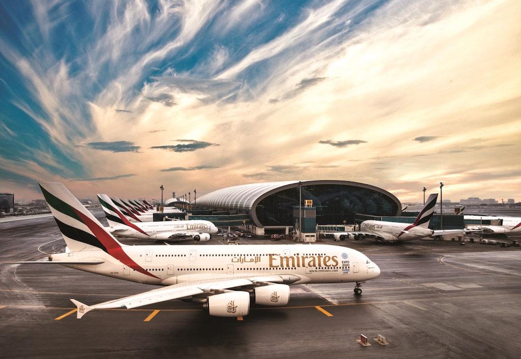 Emirates A380-asok sorakoznak a dubaji repülőtéren. Az öböl-menti légicégek dolgoznak az egyik legalacsonyabb haszonkulccsal. (Fotó: Emirates) | © AIRportal.hu