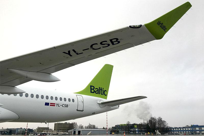YL-CSB, az airBaltic második CS300-asa. (Fotó: airBaltic) | © AIRportal.hu