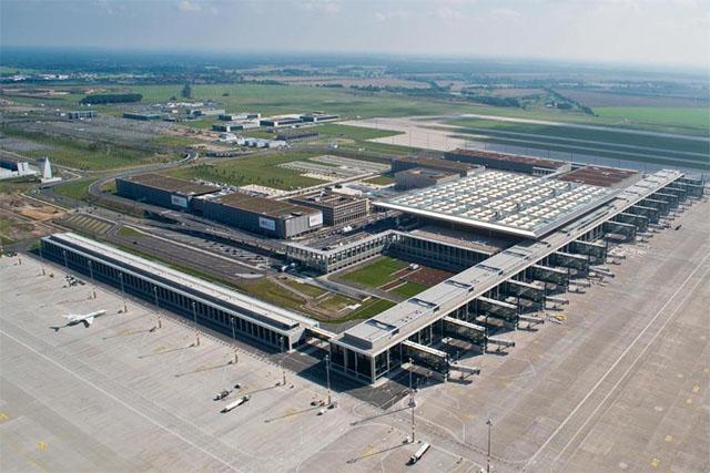 A túlterhelt Tegelen alig bővült a forgalom, nagy szükség lenne az új reptér mielőbbi megnyitására. (Fotó: Berlin-Brandenburg Airport) | © AIRportal.hu
