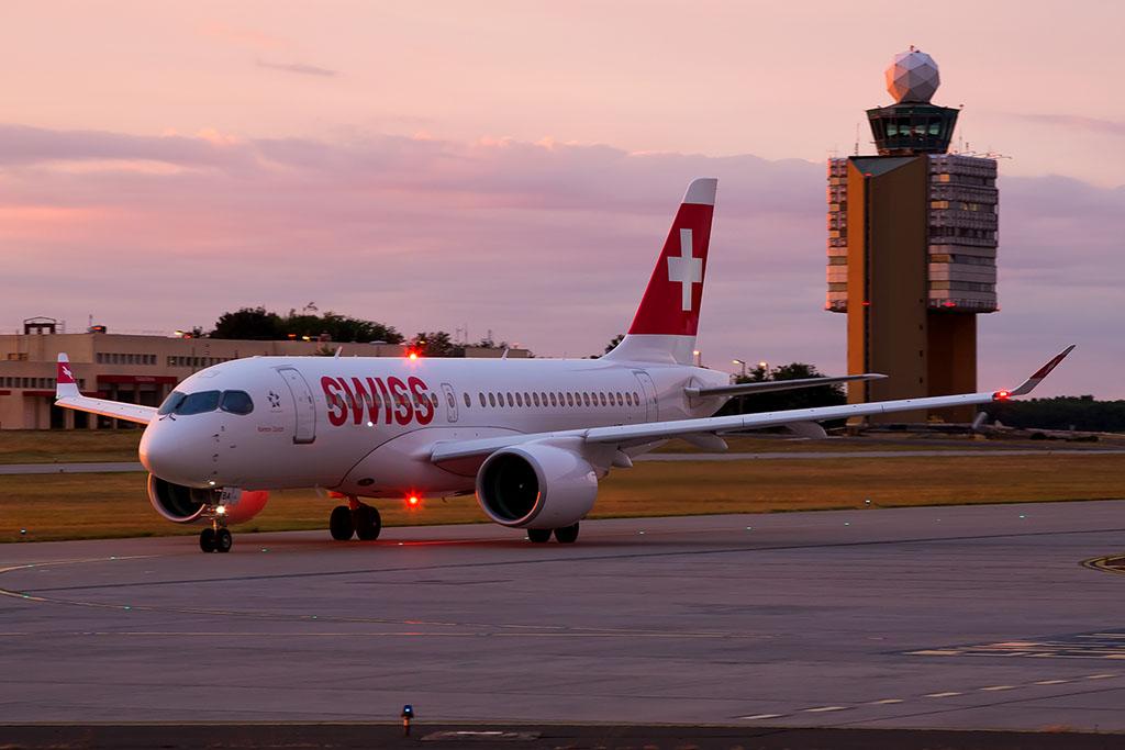 A svájci légitársaság vadonatúj Bombardier CS100-asa a budapesti reptéren (Fotó: AIRportal.hu) | © AIRportal.hu
