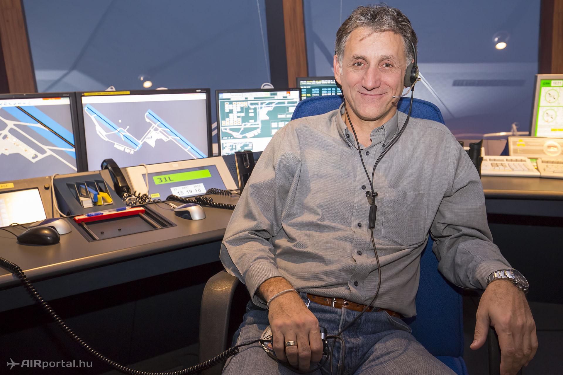 Gergely Csaba, a HungaroControl repülőtéri légiforgalmi irányítói szolgálatának osztályvezetője. | © AIRportal.hu