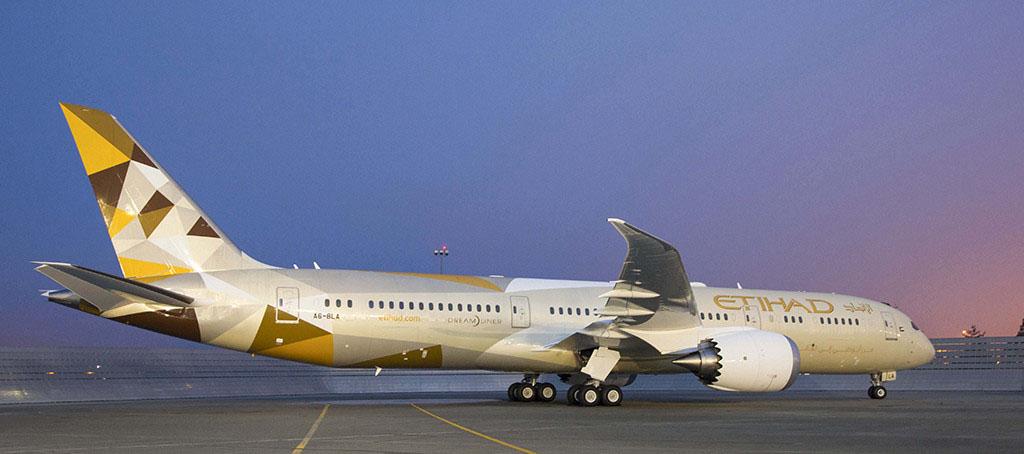 Az Etihad Boeing 787-9-ese az új festésmintában (Fotó: Boeing) | © AIRportal.hu